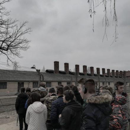 W hołdzie ofiarom holokaustu
